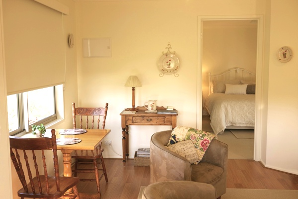 Inside Little Lake Cottage in Nyora